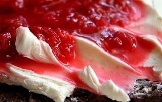 Fermented-Raspberry-Sauce-spread