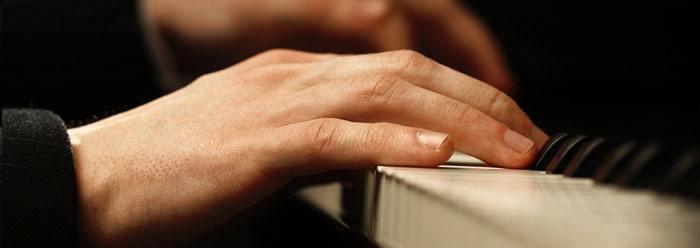 piano_hands_wide