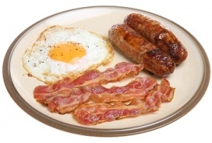 Sausages_bacon_and_fried_egg