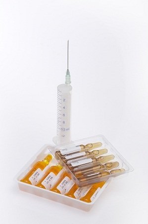 vaccine-Syringe-And-Ampoules