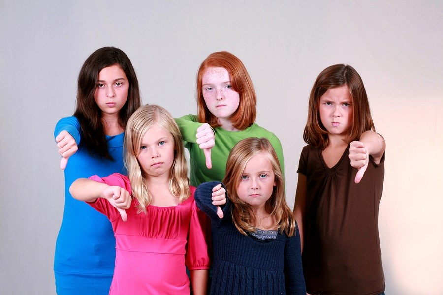 unhappy-school-children