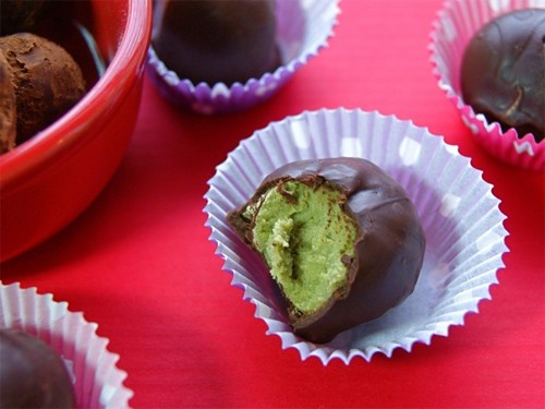 Matcha_and_Coconut_Butter_Truffles