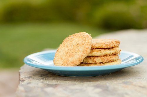 Toasted_Coconut_Vanilla_Einkorn_Cookies