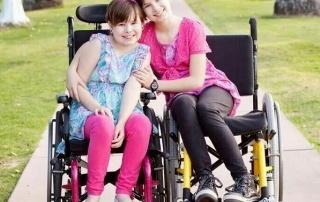 Diegel-sisters-in-wheelchairs