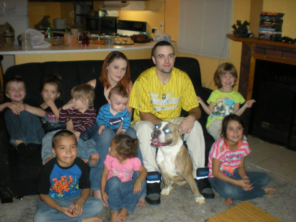 Shoars family with dog