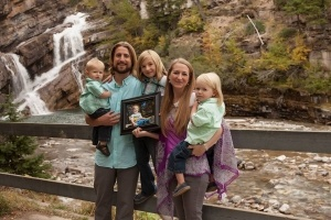 David-Stephan-family-by-waterfall-300x200
