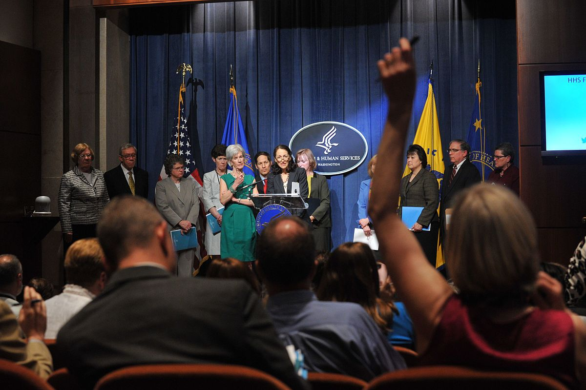 Dr,_Margaret_Hamburg,_FDA_Commissioner,_delievers_remarks_at_the_HHS_2014_Budget_Press_Conference,_April_10,_2013_(Pic_4)