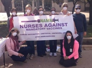 nurses-with-masks-against-flu-vaccines-300x222