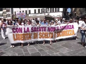 italians-take-to-the-streets-to-300x225