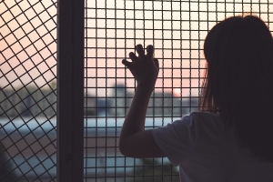 teenage-girl-held-in-confinement-300x200