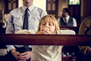 LIttle-GIrl-Praying-Church-300x200