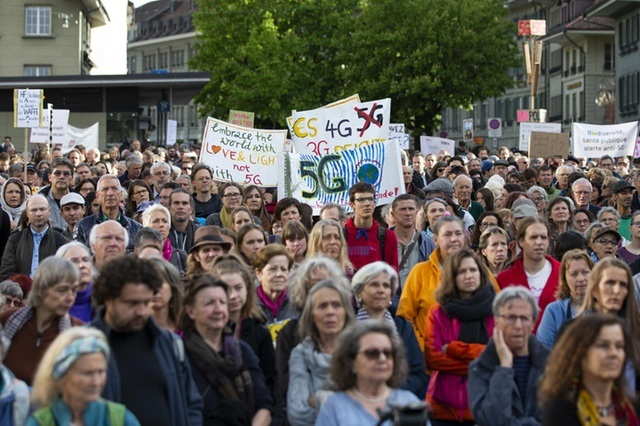 Swiss Protest 5G
