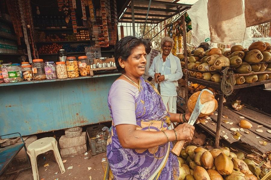 coconut-street-vendor-india